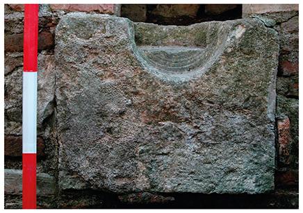 Известняковая опора для вала водяного колеса, Саепинум, Италия