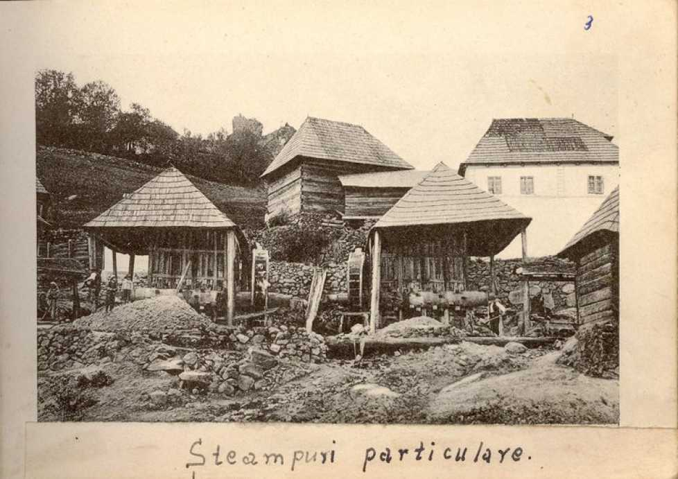 Установка для дробления руды. Золотые рудники вРошия-Монтанэ вРумынии, начало XX века.