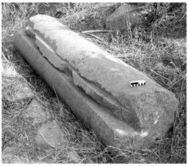 Гранитная колонна снадпилами, Эфес (Kessener 2010)