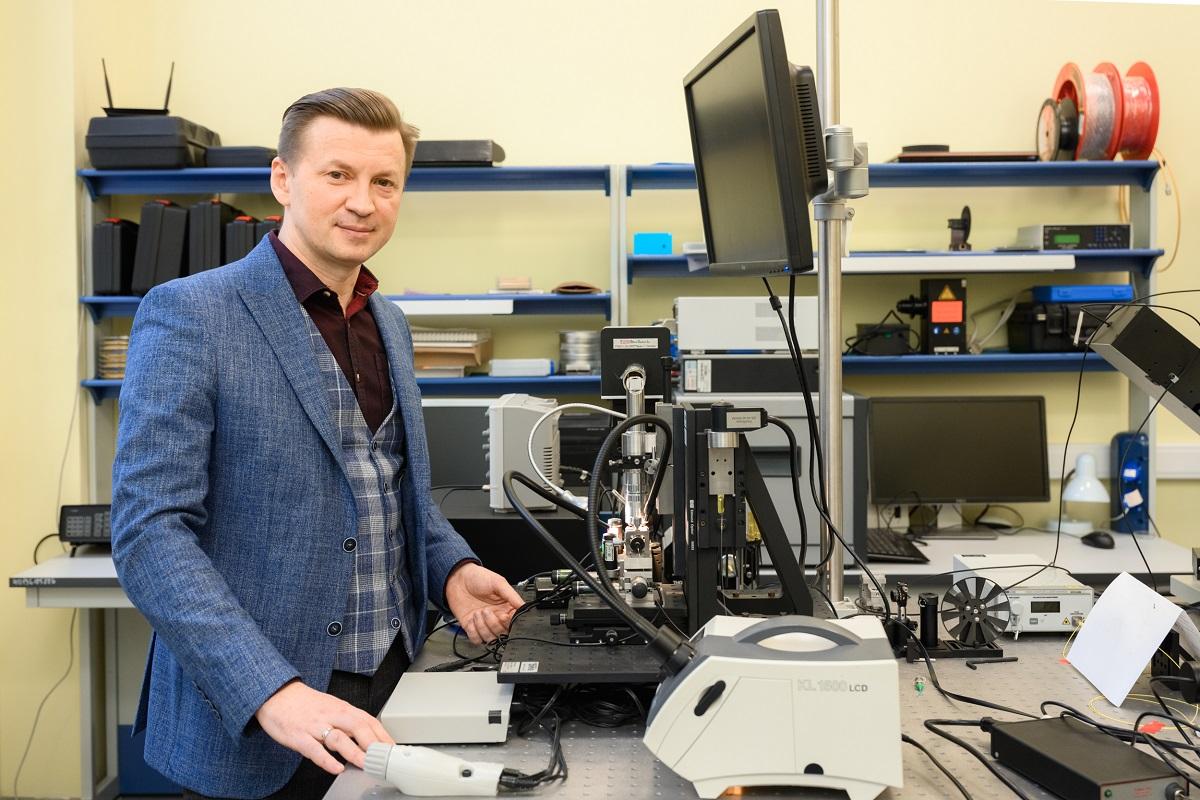 Профессор Валентин Волков, Центр фотоники идвумерных материалов МФТИ.