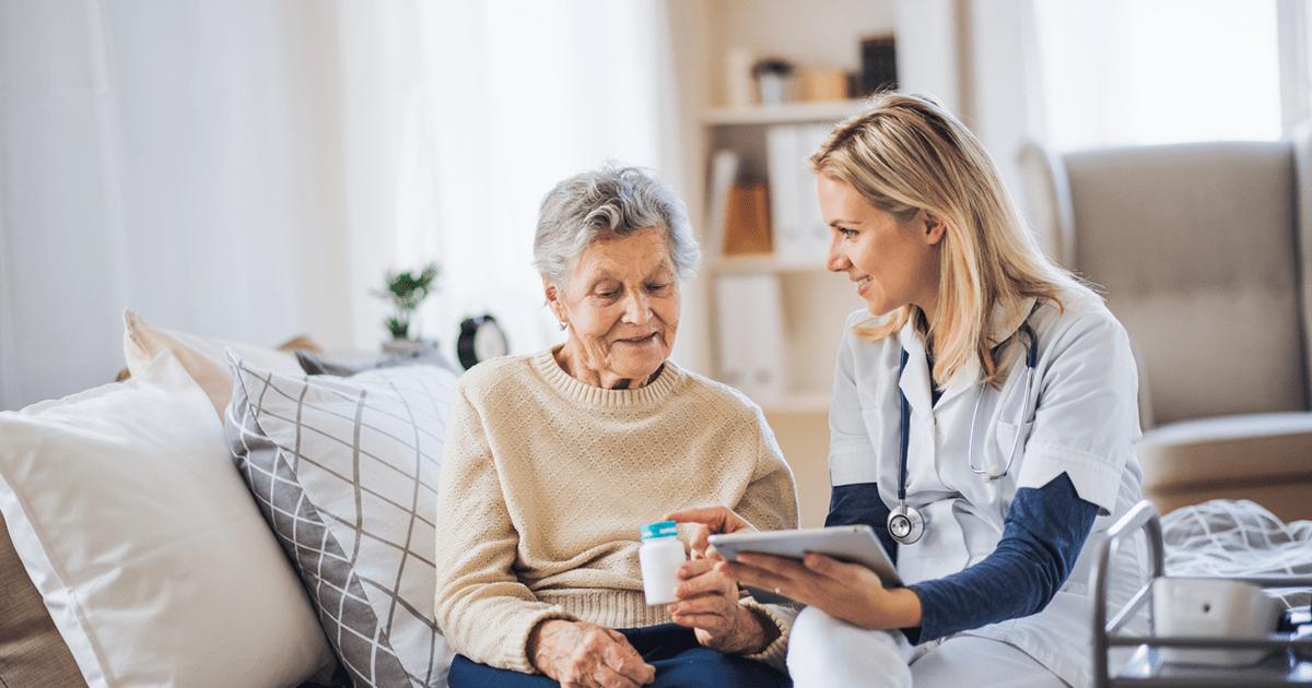 COVID-19 особенно опасен для людей старшего возраста, но, возможно, уже существующие лекарства могут помочь таким пациентам.