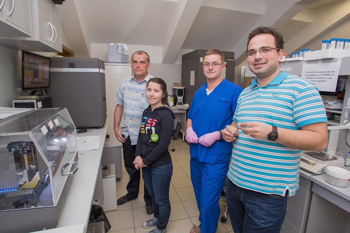Учёные из Центра исследований молекулярных механизмов старения ивозрастных заболеваний МФТИ. Фото лаборатории структурной биологии рецепторов, сопряженных сG-белком, МФТИ.