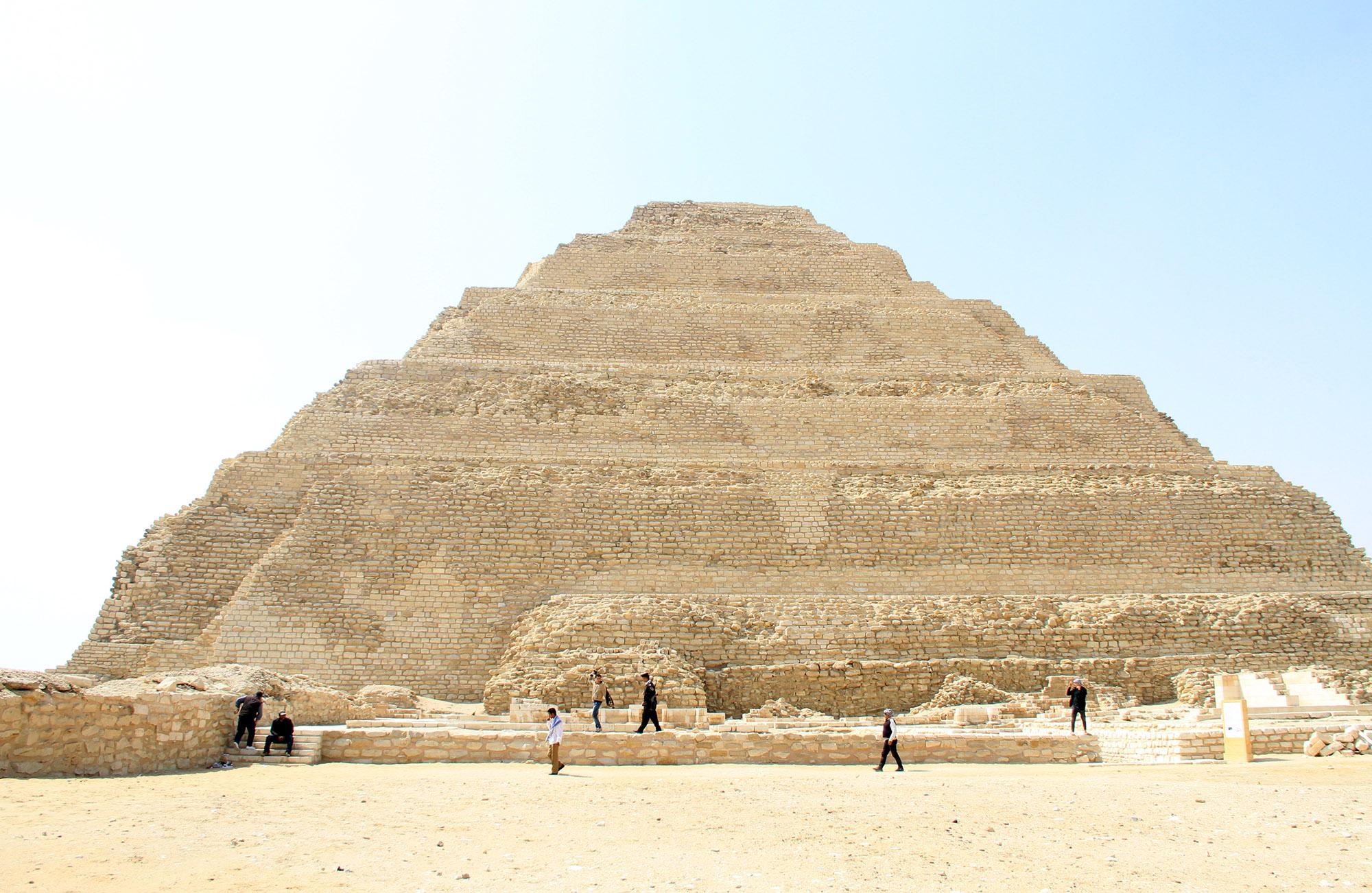 Пирамида Джосера.