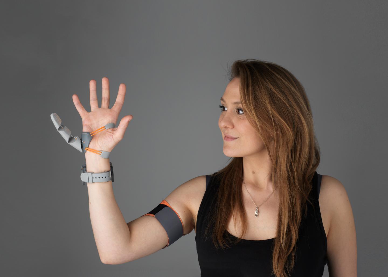 Дизайнерка Дени Клод спроектировала модель «третьего большого пальца».