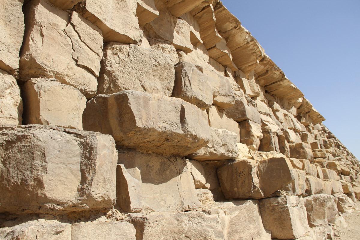 Кладка «ломаной» пирамиды
