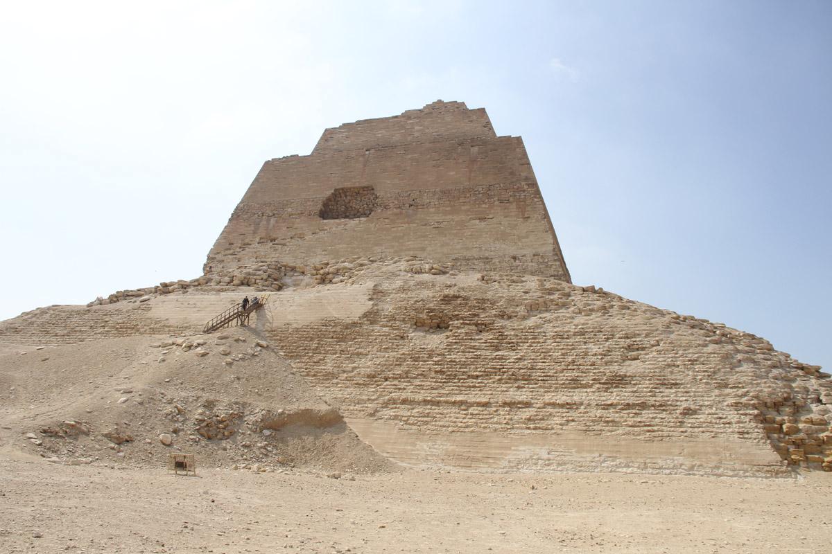 Пирамида вМейдуме.