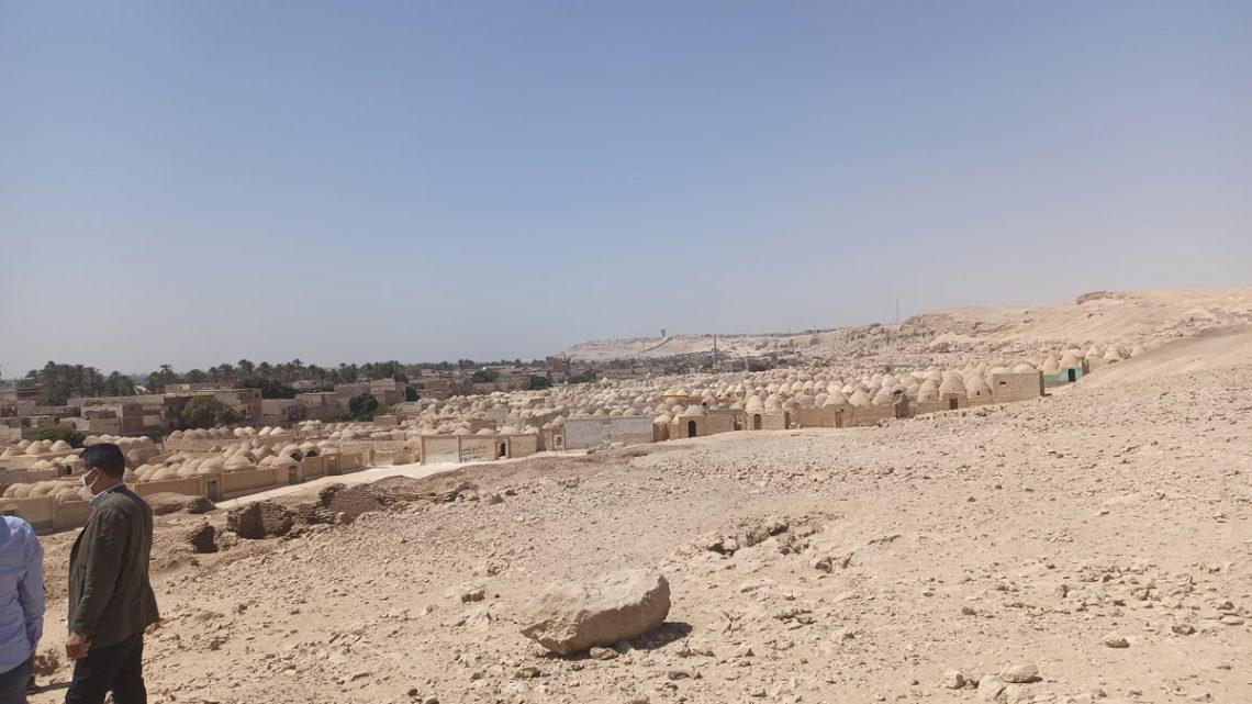Вид настарое исламское кладбище