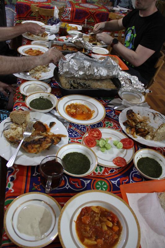 Так выглядит ужин в«Цветке жизни»
